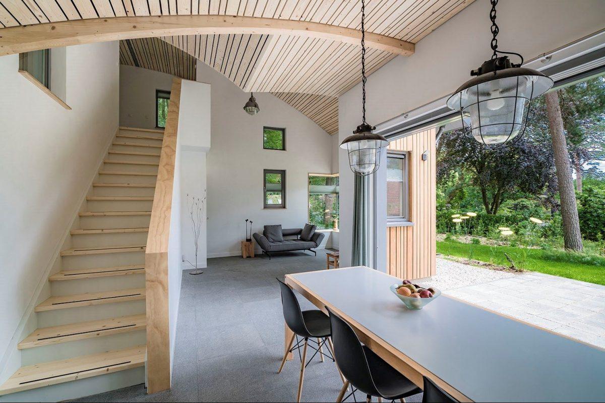 Compacte woning met veel ruimte en een schuifpui naar het buitenterras